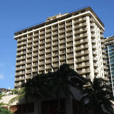 hotels with kitchens in waikiki log home kitchen islands where to stay on oahu - 23 best beachfront