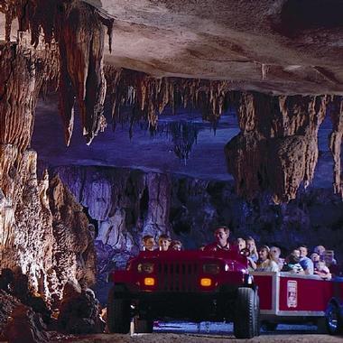11 Best Caves In Missouri