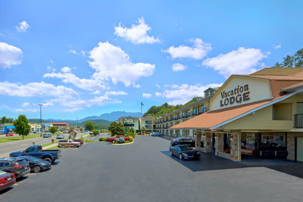 Pigeon Forge Hotel On The Parkway Vacation Lodge