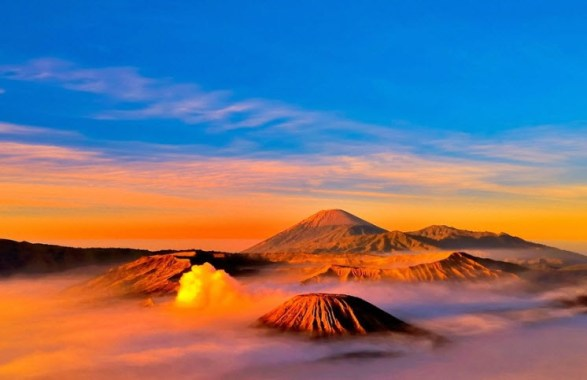 best-Sunrise-view-in-Mount-Bromo-East-Java