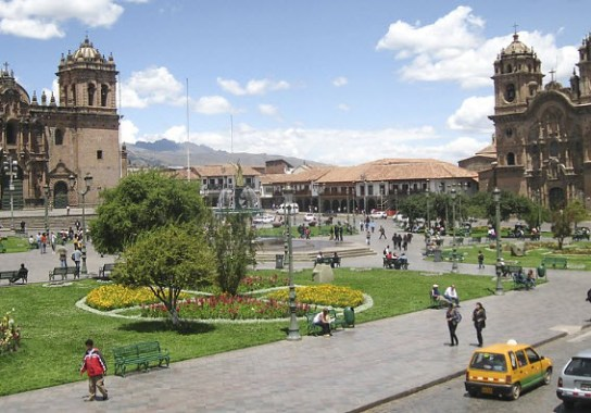 Plaza-de-Armas-Cuzco-Peru