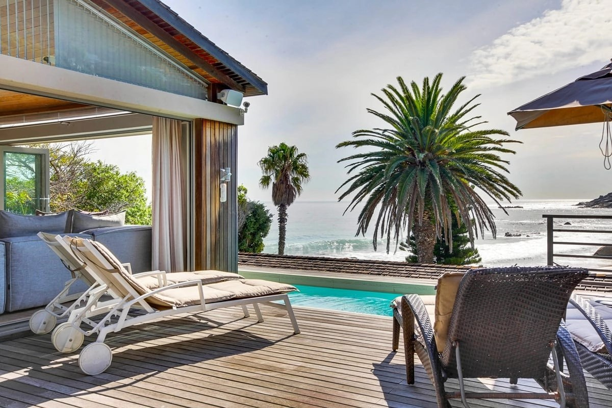Bungalow-25-on-3rd-Beach-Clifton-18