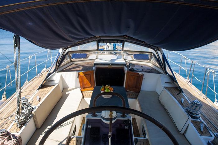 sailing sail skippered yacht charter greece cycladed crewed boat sailing charter greek islands