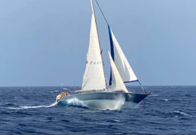Sailing Charter for Backpackers