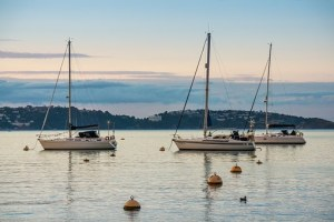 renting a sailboat in greece