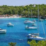 Najlepsze plaże na Majorce i godne polecenia zatoki na wyspie.