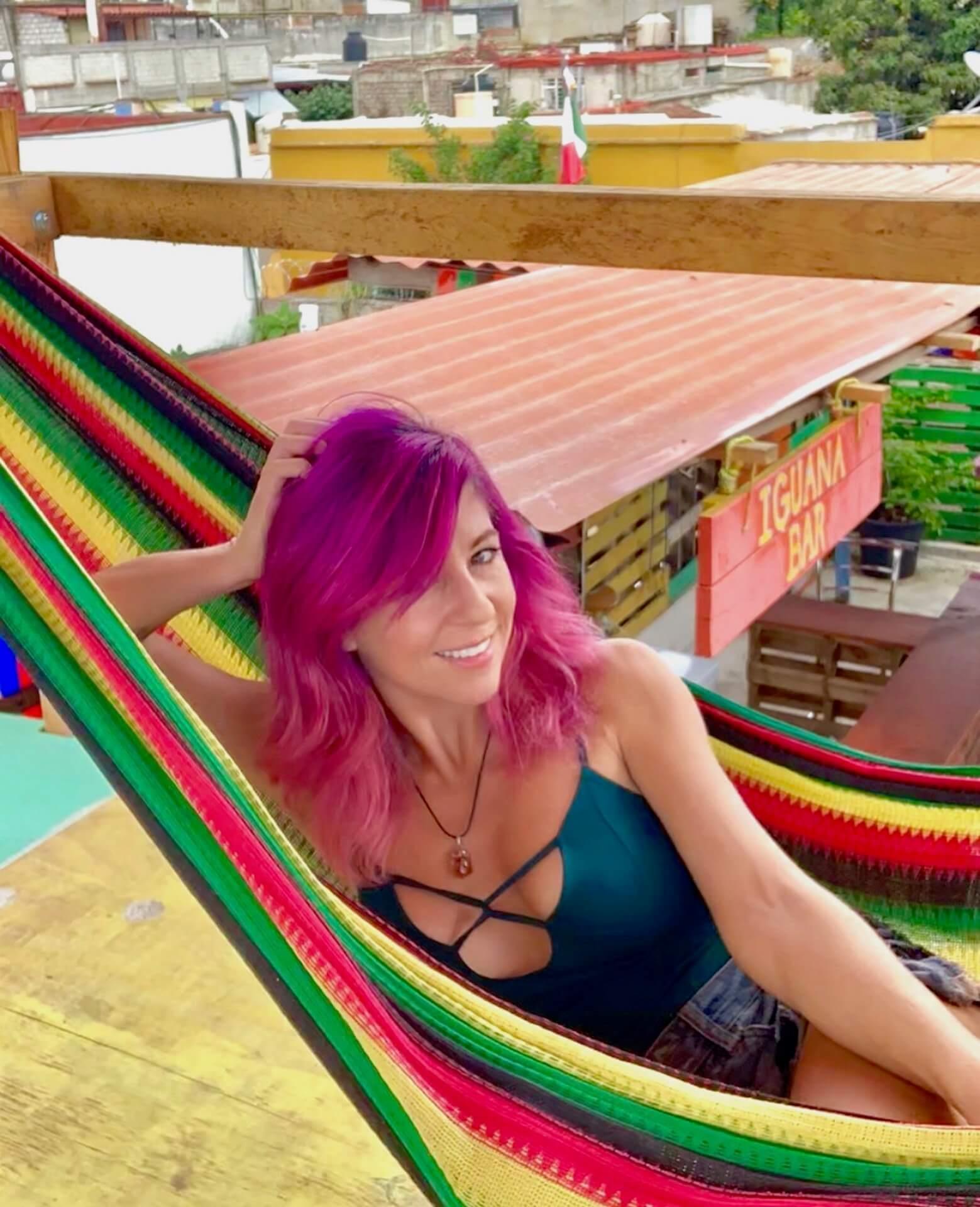 vanlife beauty routine non-toxic vegan eco-friendly vacay vans blog Instagram solo female travel digital nomad