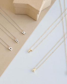 Letter necklace vacelery