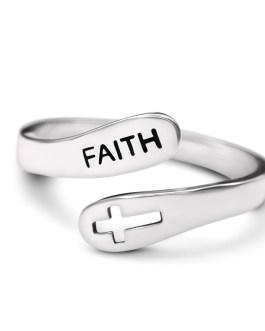 Faith ring vacelery