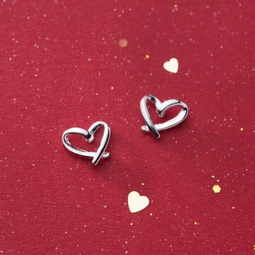 Minimalistic Heart-Shaped Earrings
