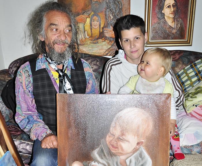 Bari Janó és Enéh édesanyjával-700