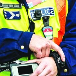 rendőrségi testkamera-250