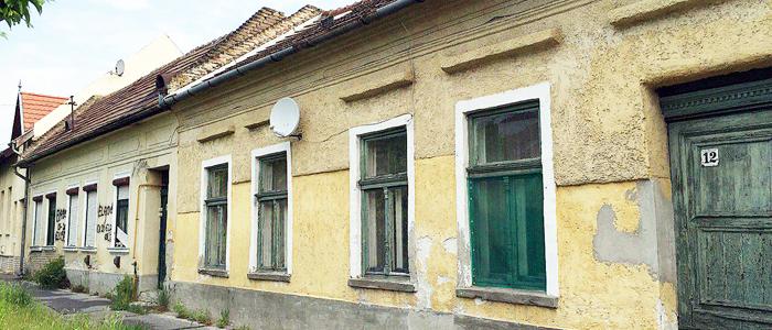 Petőfi utcai épületek-700
