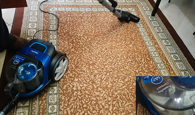 Best Small Bagless Vacuum Cleaner Review
