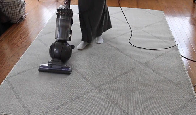 How to Vacuum a Shag Rug