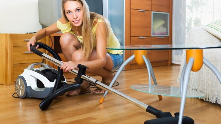 Best Vacuum For Hardwood Floor Reviews & Buying Guide