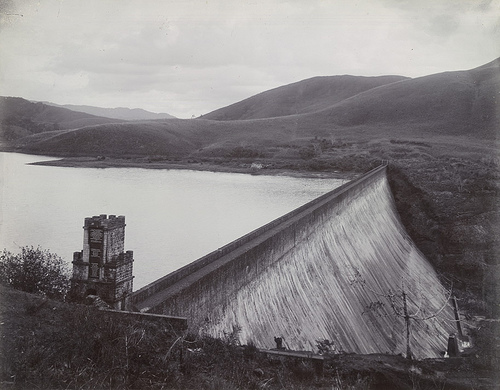 Old photo of the Mullaperiyar Dam, possibly pre-independence,