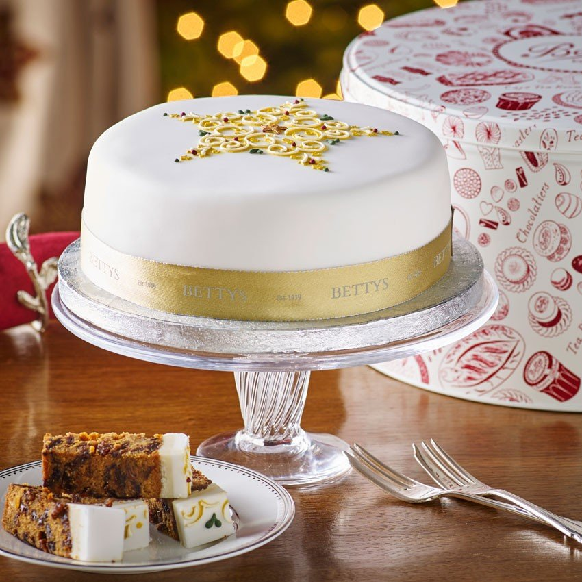 Vada s top 5 christmas cakes for Iced christmas cakes