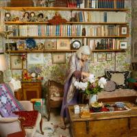 40 фотографий психоаналитиков в их кабинетах. Или 40 кабинетов с их аналитиками? :) Прекрасные, очень...