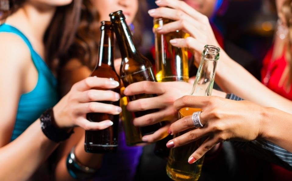 Aumenta 10% el consumo de alcohol en las mujeres
