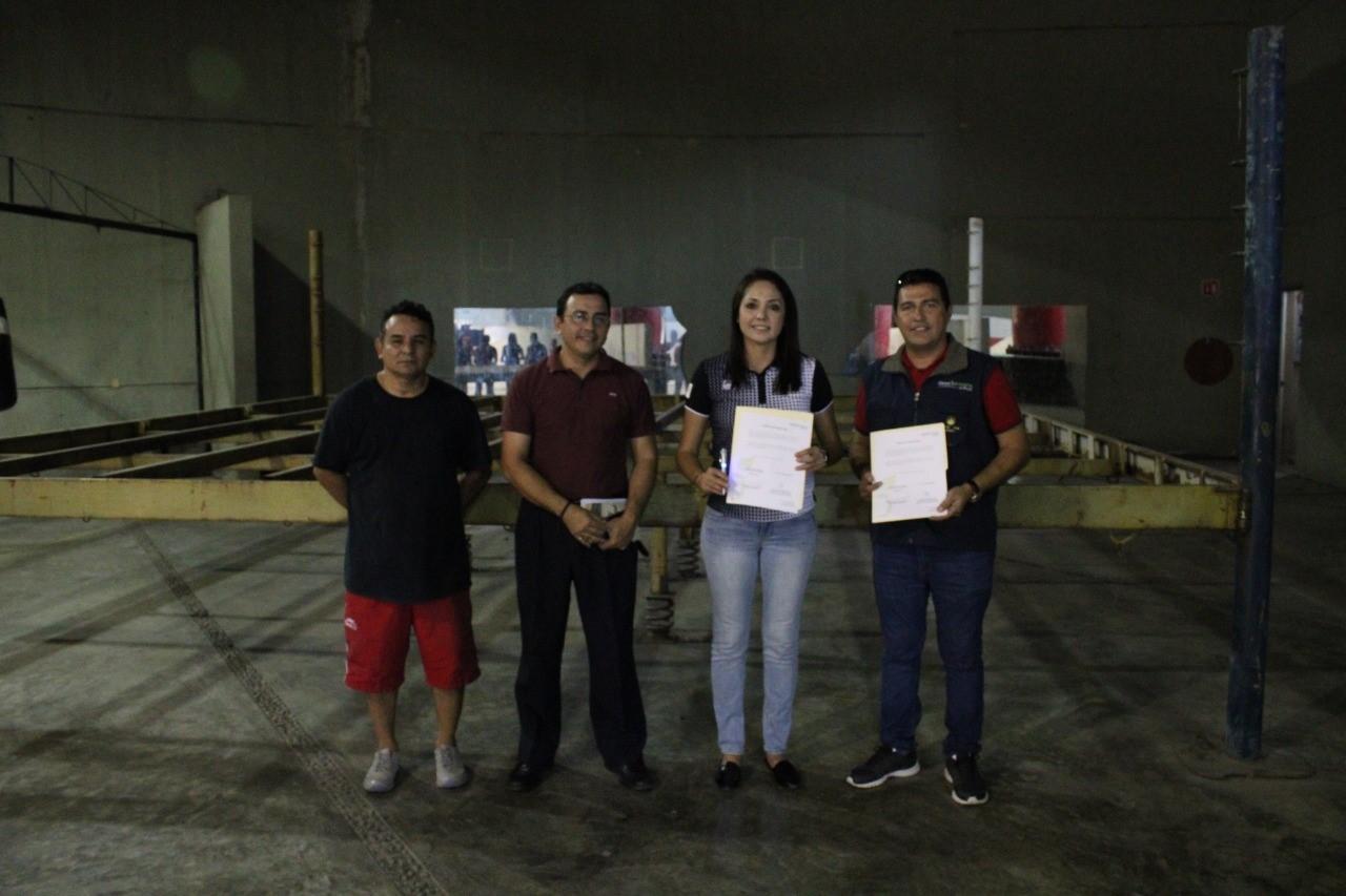 Donan ring de boxeo y lucha libre en Manzanillo