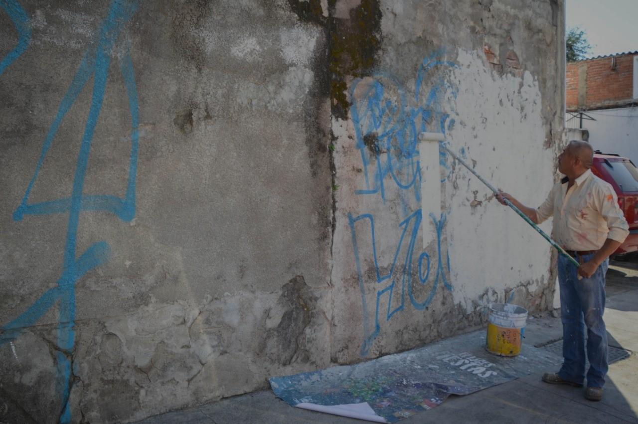 Ayuntamiento de Colima ha intervenido más de 50 inmuebles con la eliminación de grafiti en el centro de la ciudad