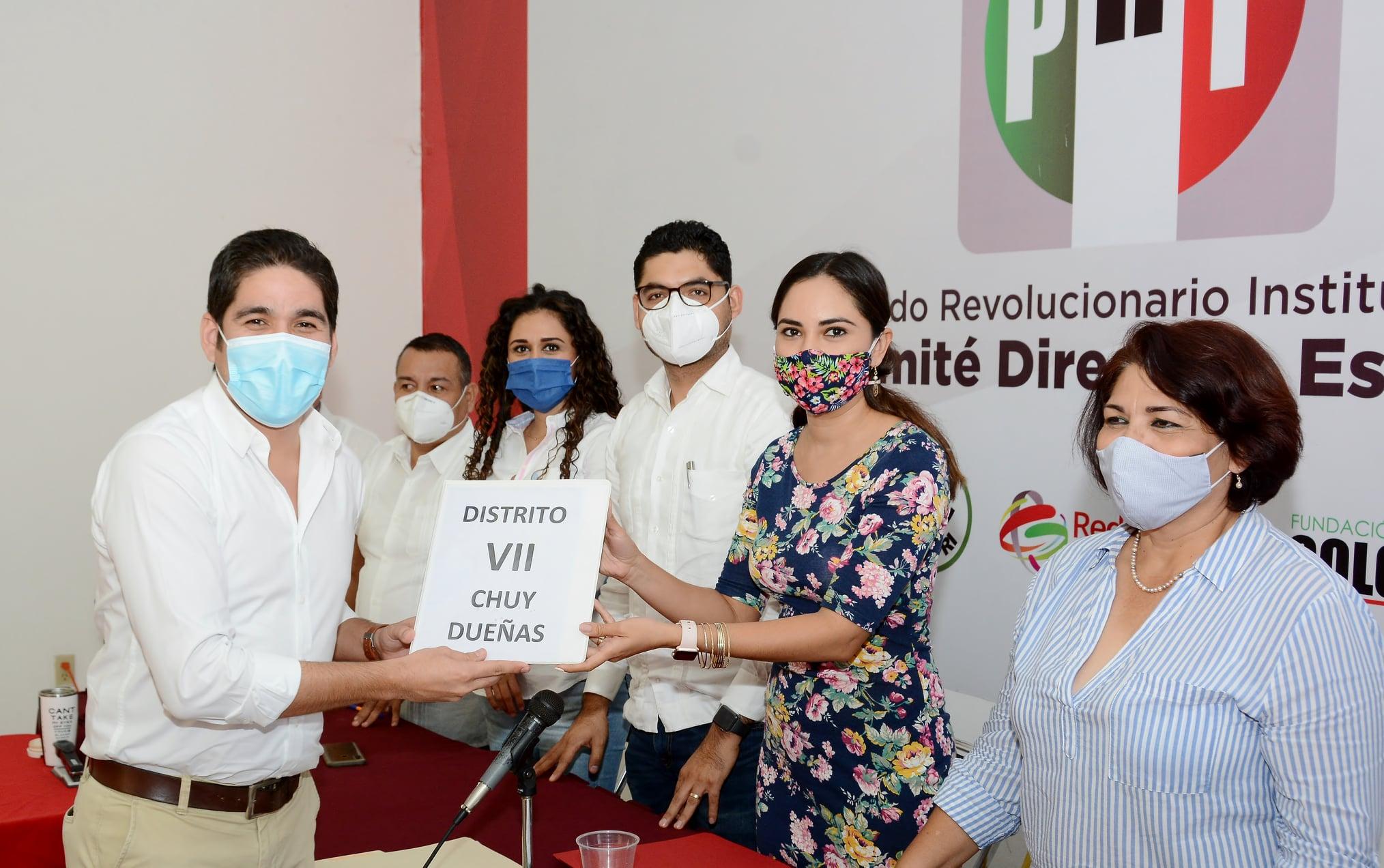 Tarde de registros de aspirantes a precandidatos en el PRI Colima