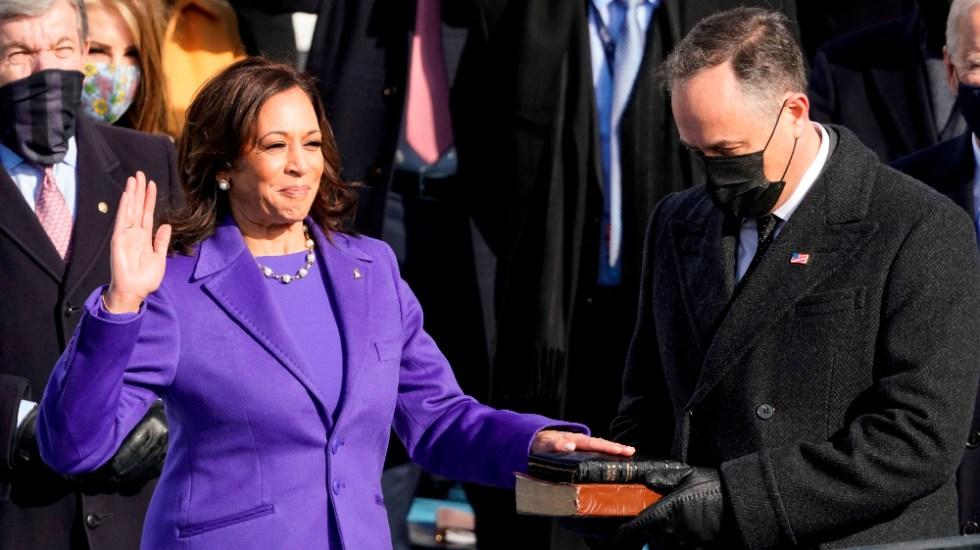 Kamala Harris hace historia al jurar como vicepresidenta de EE.UU.