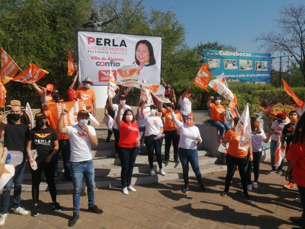Perla Vázquez, ilumina naranja la Diana Cazadora