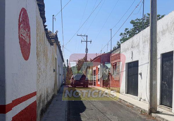 """Localizan un hombre sin vida en """"El Mezcalito"""" de la ciudad de Colima"""