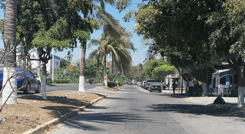 Piden respetar áreas de semáforos en Las Brisas