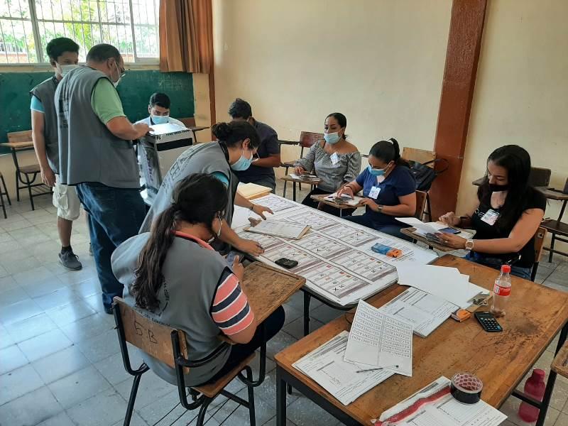 Inicia recuento de paquetes electorales a la presidencia municipal de Manzanillo