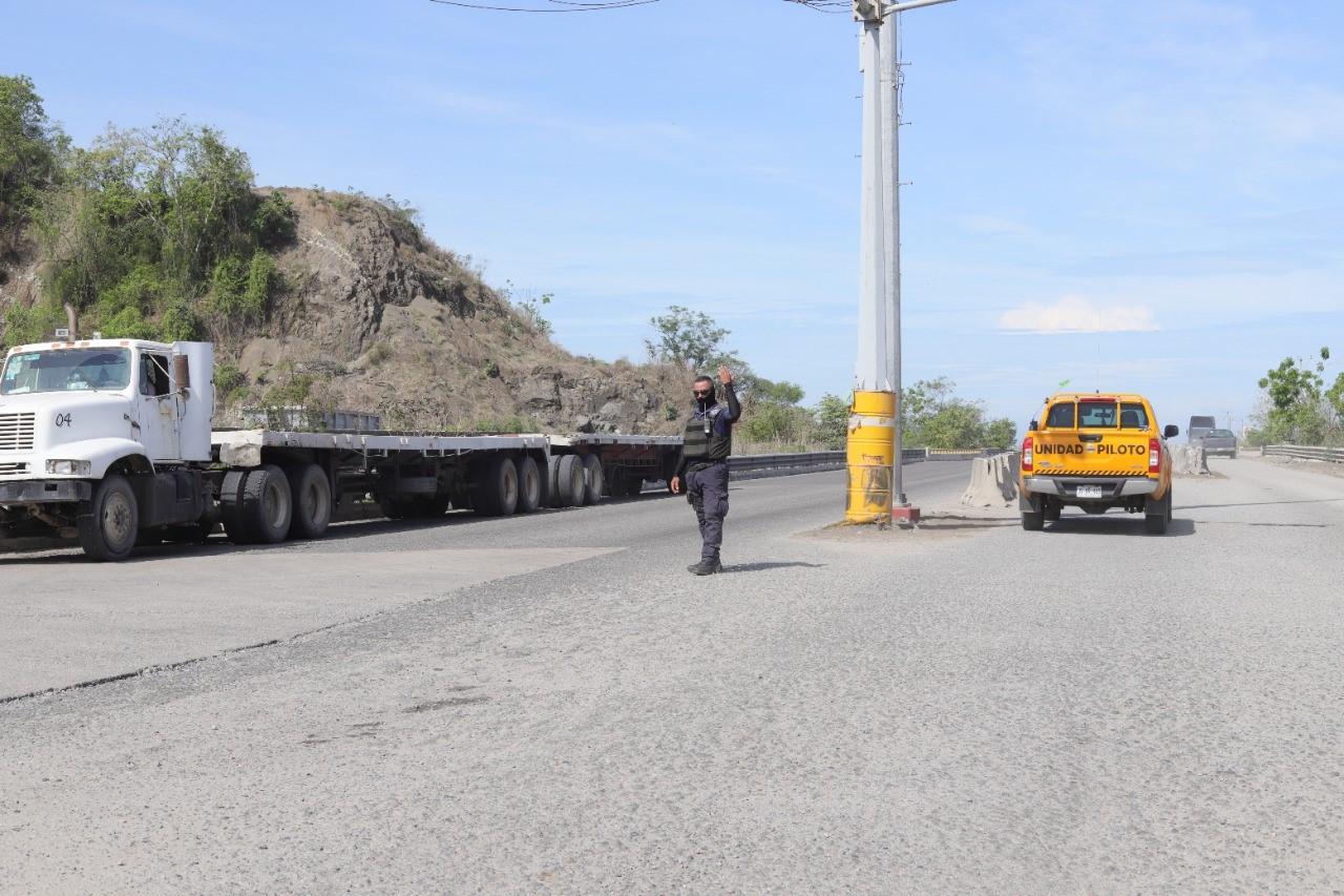 Ofrece Ayuntamiento de Manzanillo solución al conflicto vial en la carretera Jalipa de acceso al Puerto