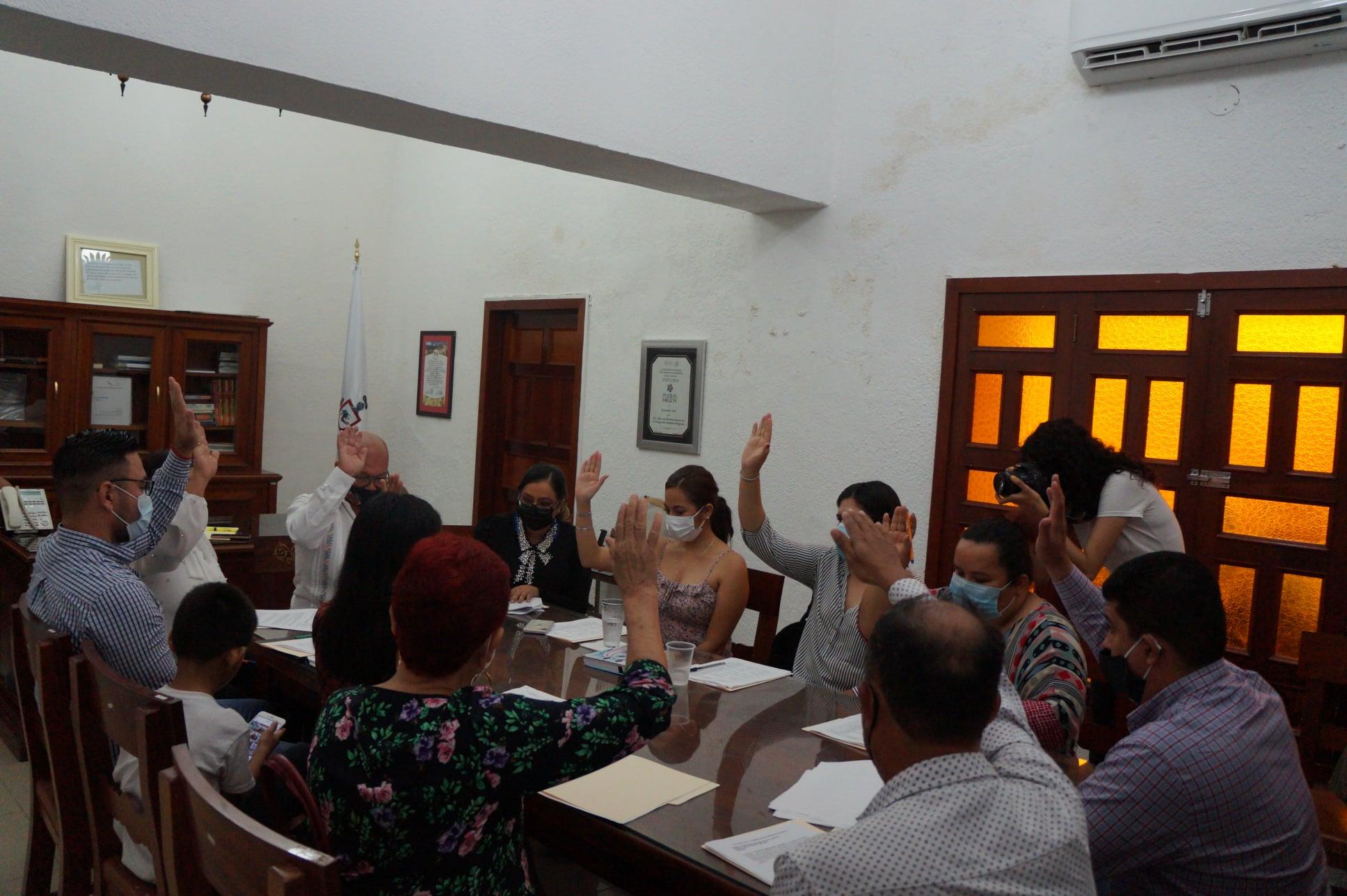 Aprueba Cabildo de Comala el nombramiento de funcionarios