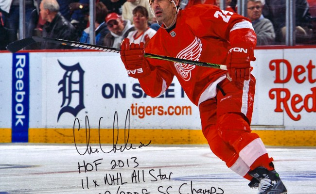 Chris Chelios Detroit Red Wings Autographed 16 X 20 Red