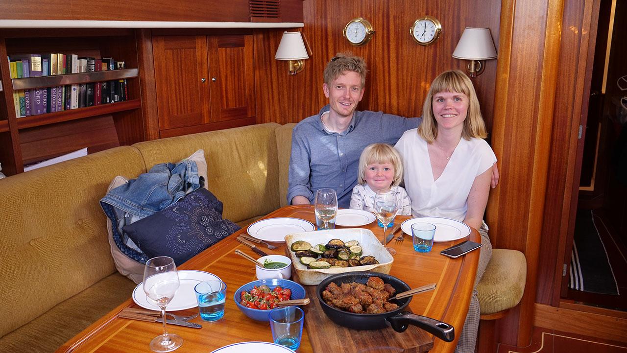 Middagsbesøk og topptur i Bodø
