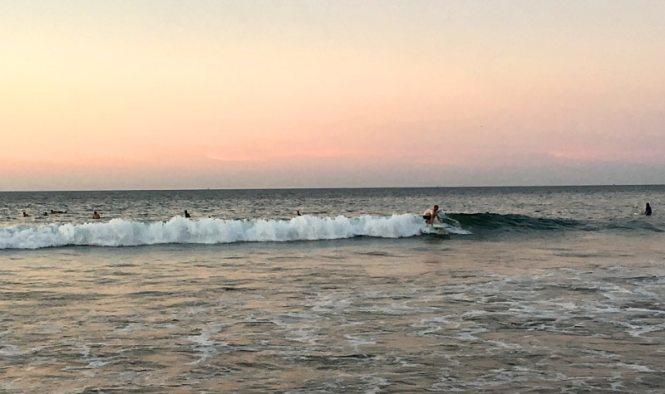 Surf à Mancora au Pérou