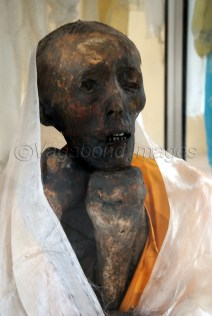Closer look at the mummy. See how one hand supports the chin