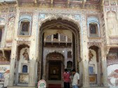 Morarka Haveli: The old is guarded by the new!