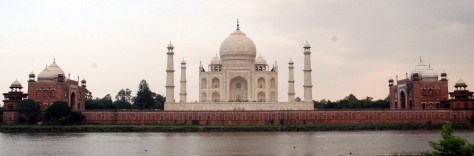 Panoramic view of the Taj Mahal from Mahtab Bagh
