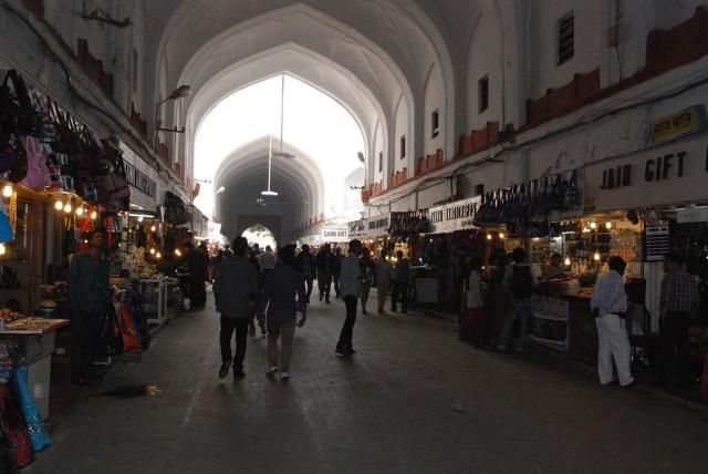 Souvenir market at Red Fort