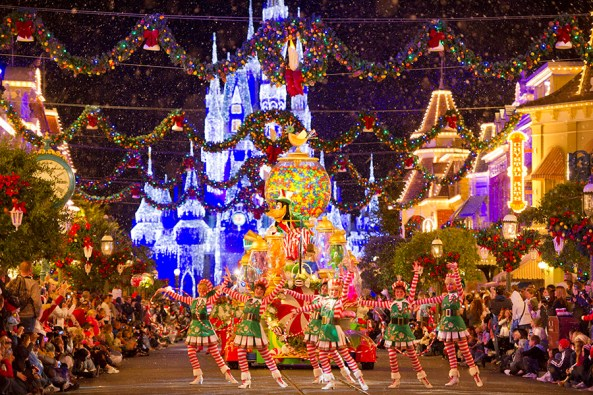 Orlando- Christmas Parade at Walt Disney World Resort