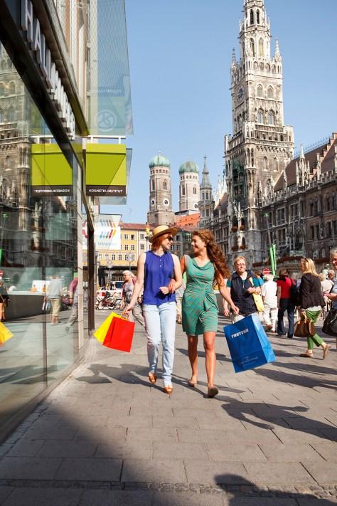 Shopping Marienplatz Muenchen Foto Christoph Mukherjee