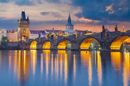 charles-bridge-karluv