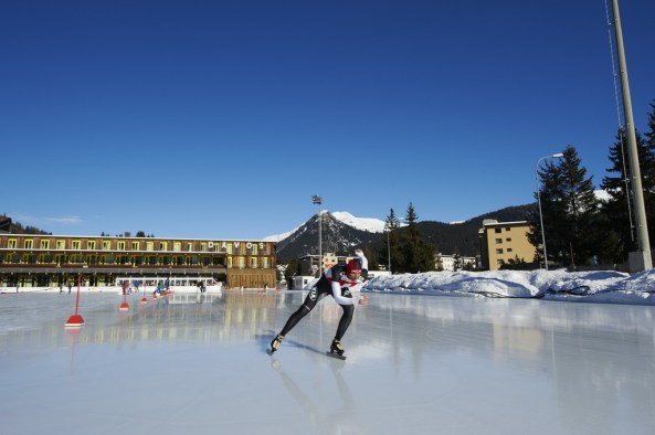 Eisschnelllauf auf Natureisbahn in Davos