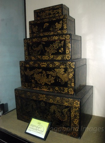 Kotak boxes from Sumatra region are used to keep clothes or jewellery or to give dowry gifts