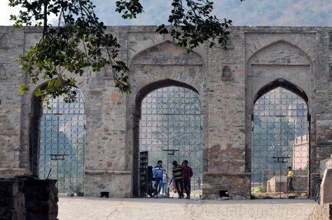 The gate just before the fortress