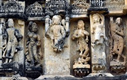 These have many similarities to Khajuraho