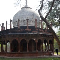 Where a Shah Jahan's queen lies in solitude on the other side of Taj