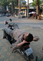 Advanced relaxation in Hanoi